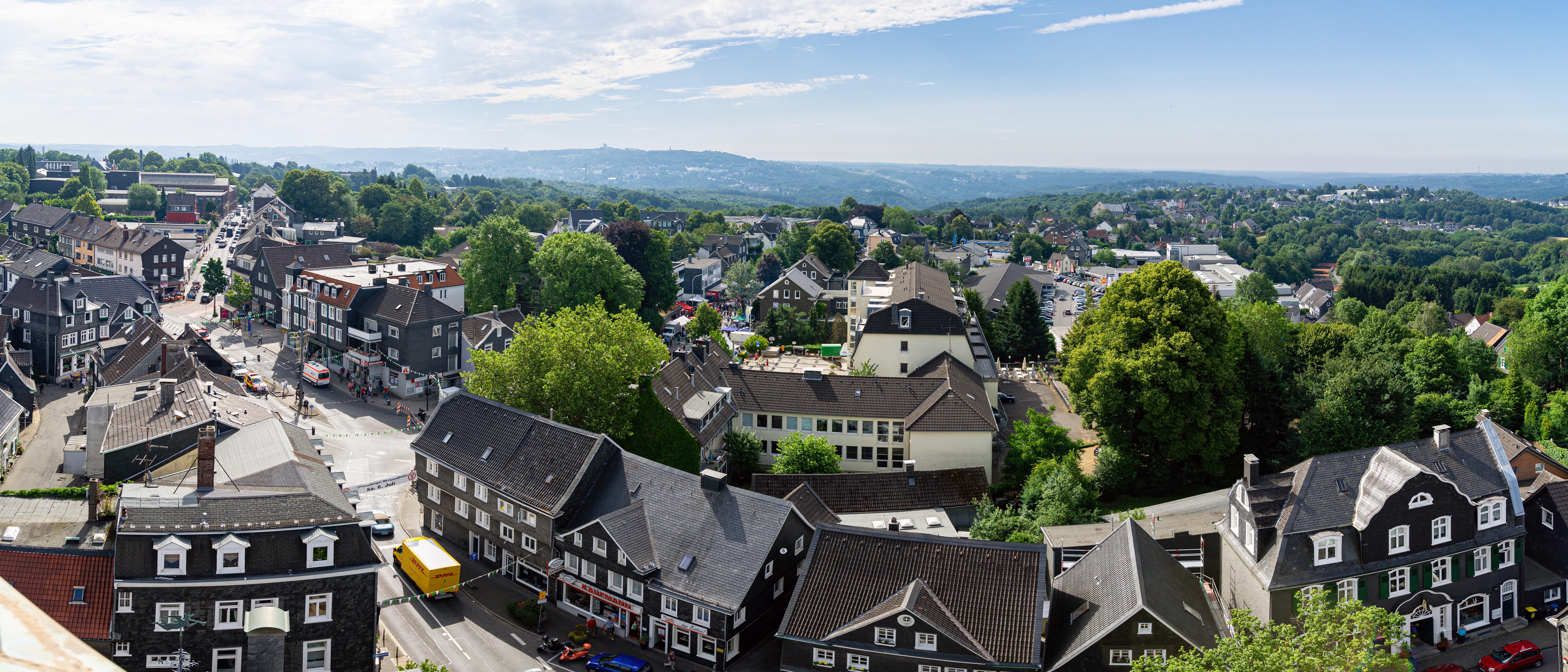 Cronenberg von oben: Blick vom Turm der Reformierten Kirche